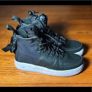 Nike SF AF1 Mid Boots - Size 6.5 - AA3966 300